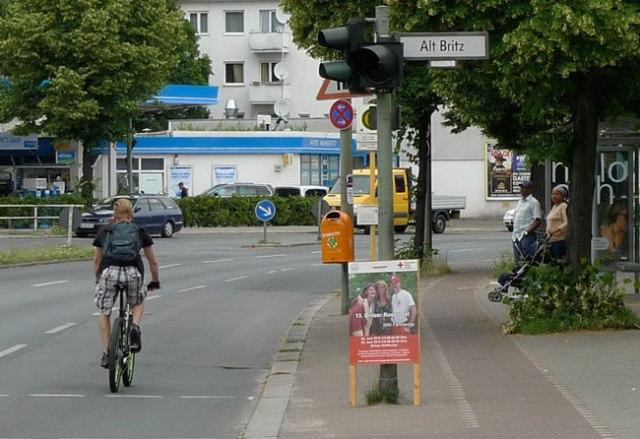 cyclist_street