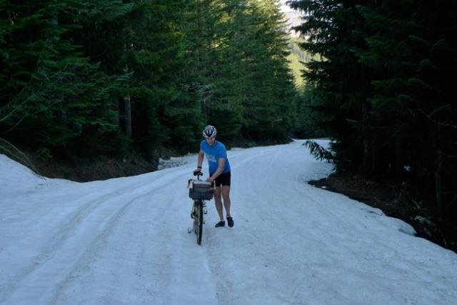 hike_snow