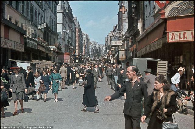 bustling_street_zucca