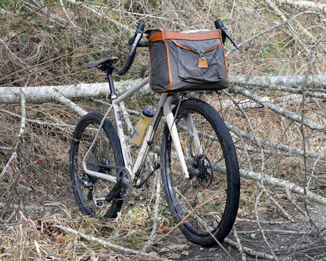 9eeb82aa435c95 That is why more and more riders adopt handlebar bags as part of their bikepacking  luggage. Handlebar bags fit inside the handlebars, so they don't encumber  ...